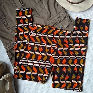 LuLaRoe Tall Curvy Legging RARE Brown Orange Worms